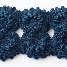 Ravelry: Figure Eight Cowl by Bernat Design Studio...unique and beautiful free pattern! Thanks for sharing!