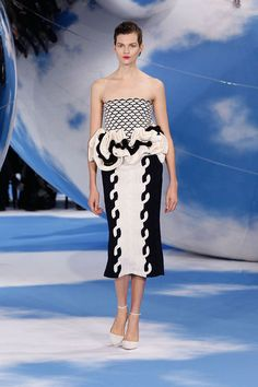 Fashion Tape, Runway Fashion, High Fashion, Fashion Show, Fashion Outfits, Womens Fashion, Paris Fashion, Fashion Basics, Fashion Trends