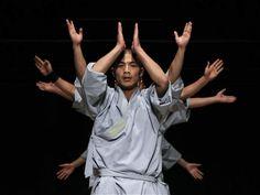 Impactantes imágenes del arte Shaolín. Monjes Shaolín durante una presentación ante medios de 'Sutra', en la Ópera de Sídney, Australia