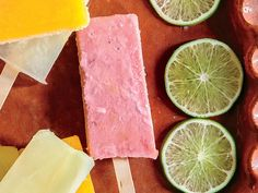 Never had a paleta? Get ready for a real treat! These Mexican ice pops are made with fresh fruit, nuts, spices, and other ingredients for a colorful Paletas Recipes, Coconut Popsicles, Peach Popsicles, Homemade Popsicles, Healthy Midnight Snacks, Healthy Snacks, Healthy Recipes, Peach Sangria