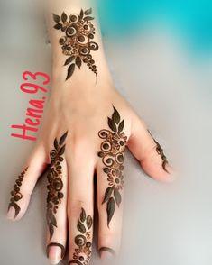 No photo description available. Indian Henna Designs, Henna Art Designs, Modern Mehndi Designs, Latest Mehndi Designs, Mehandi Designs, Simple Mehndi Designs Fingers, Finger Henna Designs, Mehndi Designs For Hands, Khafif Mehndi Design