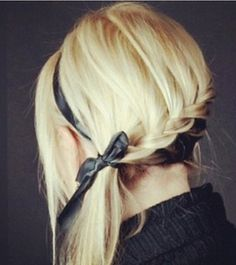 HOW CUTE IS THIS, A BLACK RIBBON BRAIDED INTO A BLOND PONYTAIL ~ SUMMER PONYTAILS ~ BEAUTY TRENDS AND NEWS @DAILYMAKEOVER.COM......:)