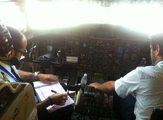 Piloto y copiloto Canaryfly. Blog atacadas