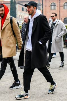 S street style trends men street styles in 2019 о Street Style Trends, Man Street Style, Men Street, Street Wear, Street Styles, Streetwear Men, Streetwear Fashion, Mode Masculine, Runners Outfit