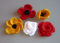 Decorative hand knitted flowers by BelaFarCrafts