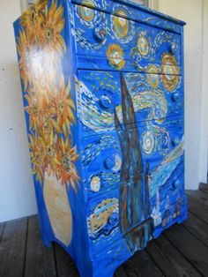 Van Gogh Starry Night and Sunflower Dresser, so doing this for my art supplies! Painted Chairs, Hand Painted Furniture, Funky Furniture, Arte Van Gogh, Van Gogh Art, Vincent Van Gogh, Van Gogh Paintings, Art Classroom, My New Room