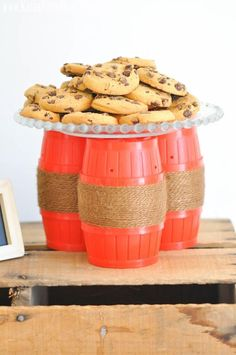 barrel o monkeys for display or party favors