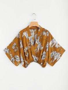 Shop Random Floral Surplice Kimono Blouse at ROMWE, discover more fashion styles online. Kimono Floral, Blouse Kimono, Bow Tie Blouse, Crop Blouse, Floral Chiffon, Romwe, Blouse Jaune, Floral Tops, Shirt Bluse