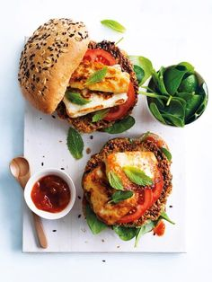 Quinoa Recipes that are Protein Packed Have a meat-free Monday with some super healthy quinoa and haloumi burgers.Have a meat-free Monday with some super healthy quinoa and haloumi burgers. Vegetarian Recipes, Cooking Recipes, Healthy Recipes, Vegetarian Barbecue, Vegetarian Cooking, Cooking Tips, Soup Recipes, Food Inspiration, Kitchen Inspiration
