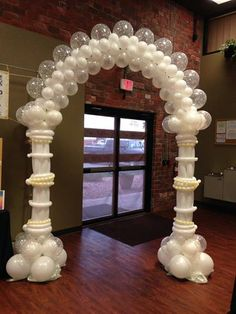 is a custom balloon arch inspired by Sue Bowler. I built this for a wedding show. Arches can be classic and timeless. Don't forget that decor will be in all your pictures. Birthday Balloon Decorations, Anniversary Decorations, Balloon Centerpieces, Wedding Decorations, Balloon Pillars, Balloon Arch, Wedding Ballons, Qualatex Balloons, Balloon Stands