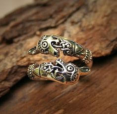 Viking ring with horse heads