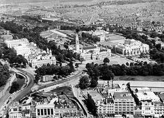 Cathays Park from the air in 1935 Wales Uk, South Wales, Wales Language, Uk History, Cardiff, Newport, Old Photos, Paris Skyline, Past