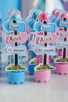 21 New Ideas Birthday Party Diy Ideas Alice In Wonderland Alice In Wonderland Tea Party Birthday, Alice Tea Party, Alice In Wonderland Birthday, First Birthday Parties, First Birthdays, Aaliyah Birthday, Mad Hatter Tea, Birthday Balloons, Party Themes