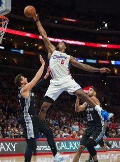 Deandre Jordan (26pts/18rebs) does the Jordan logo/dunk over Marco Belinelli