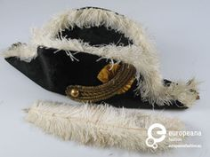 Bicorn, part of the 'Amsterdamsche Eerewacht' uniform, created by J.S. Meuwsen. Courtesy Amsterdam Museum via ModeMuze, all rights reserved.