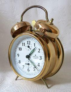 Wecker - Junghans mechanical Glockenwecker - ein Designerstück von Zeitepochen-Shop bei DaWanda mehr auf www.zeitepochen-shop.com