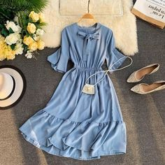 first date outfit Casual Day Dresses, Simple Dresses, Cute Dresses, Baby Dresses, Dresses Dresses, Elegant Dresses, Indian Fashion Dresses, Fashion Outfits, Sweet Dress