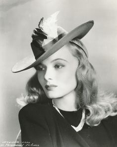 Veronica Lake beautiful, love her hat!