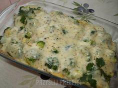 Tortellini z kurczakiem i brokułem zapiekane w sosie serowym