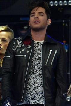 Another one from Kate yesterday @adamlambert @katerogers66