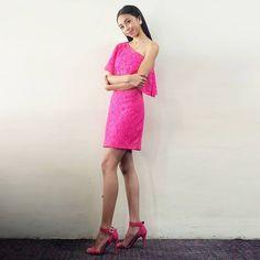 Filipina Actress, Lucky 7, Star Magic, Arab Fashion, Talent Show, Debut Album, Ootd, Actresses, Makeup
