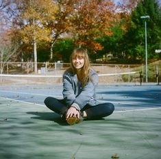 I know this is a pretty niche inspiration album because Angel's music speaks for itself and she is not necessarily known for her style, but I have. Faye Webster, Angel Olsen, Photo Album Covers, Latest Music, Powerful Women, Beautiful People, Perfect People, Style Icons, Indie