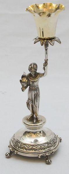 Paliteiro de prata Europeia contrastada, final do século XIX, representando figura feminina
