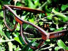 Moler gafas hechas a mano en España (por Móler gafas de madera) Monza ébano. Tienda con clientes sensibilizados con el medio ambiente y pro derechos humanos.