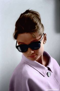 Audrey Hepburn • Sciarada (Charade), regia di Stanley Donen (1963)