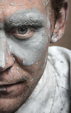 Tom Hiddleston as Dr Robert Laing in High-Rise