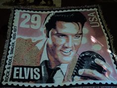 ELVIS PRESLEY.ROCK AND ROLL SINGER 1935-1977.POSTAGE STAMP WOVEN AFGHAN/THROW