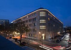 Außenansicht - www.wyndhamgrandberlin.com Checkpoint Charlie, Potsdamer Platz, Brandenburg Gate, Hotel S, Berlin Germany, 5 Star Hotels, Multi Story Building, Street View, Exterior
