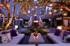 W hotel courtyard in New Orleans. Great ideas for a home garden