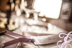 wedding planner_ castello_ isi eventi_ matrimonio_ centri tavola_ segnalibri_amore _bianco _idea _lilla_ scritti a mano www.isieventi.com