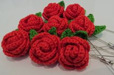 Free Crochet Long Stem Rose Pattern : Ganxet - Crochet on Pinterest Peppa Pig, Crochet Hat ...