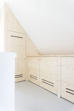 Furniture Projects, Attic, Sweet Home, Garage Doors, New Homes, Living Room, Bedroom, Storage, Interior