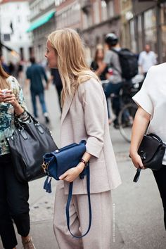 neutrals in paris