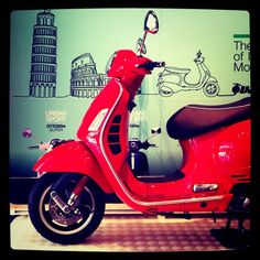 #Sydney scooter riders are brave folk, I admire ~ & like to see them among cafe streets ...