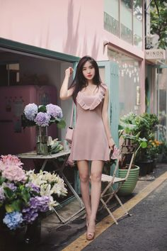 Style up your daily look with our unique MOODLFT® collection in trendy Korean fashion. Shop our exclusively curated chic Korean fashion & K-beauty products. Chic Summer Outfits, Classy Outfits, Pretty Outfits, Fashion Models, Girl Fashion, Fashion Dresses, Japanese Fashion, Asian Fashion, How To Look Classy