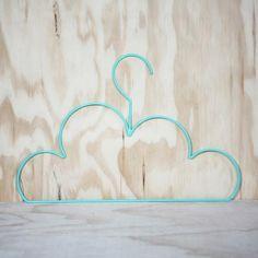 Accrochez vos vêtements dans les nuages   cloud coathangers...