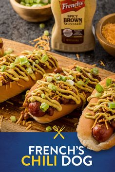 What's the secret to a perfect chili dog? French's Spicy Brown Mustard! With just 7 ingredients, these grilled chili dogs are ready in less than 15 minutes – perfect for your next summer BBQ and easy enough for a weeknight dinner. Hot Dog Recipes, Pork Recipes, Cooking Recipes, Recipies, Comida Boricua, Sammy, Good Food, Yummy Food, Delicious Recipes
