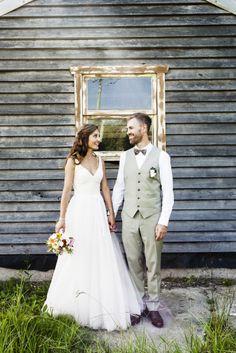 Another stunning Karen Willis Holmes wedding gown! http://www.karenwillisholmes.com/us/