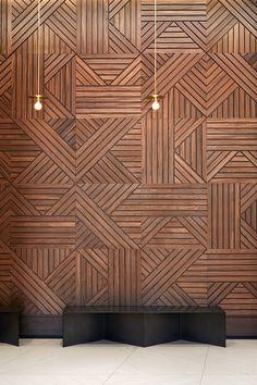Summer Street Lobby — Atelier Cho Thompson Wooden Wall Design, Wall Panel Design, Wood Design, Wood Wall Art, Feature Wall Design, Timber Walls, Wooden Walls, Interior Walls, Wall Cladding Interior