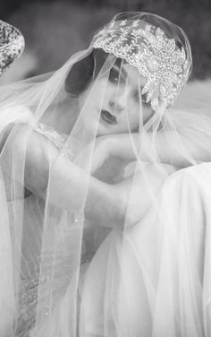 Romantic and dreamy 1920's vintage wedding, so beautiful