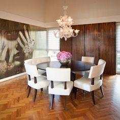 modern dining room by Design Loft Interiors Elegant Dining Room, Luxury Dining Room, Beautiful Dining Rooms, Modern Dining Table, Round Dining Table, Round Tables, Dining Area, Small Dining, Elegant Table