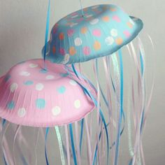 Under the sea Theme: Jellyfish craft / Preschool items - Juxtapost Ocean Crafts, Vbs Crafts, Preschool Crafts, Crafts For Kids, Arts And Crafts, Sea Life Crafts, Under The Sea Crafts, Under The Sea Theme, Under The Sea Party