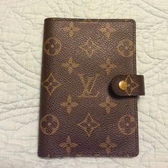 Louis Vuitton AUTHENTIC PM Agenda In pretty perfect condition PM Agenda, authentic, Made in Spain (CA date code). Light scratching on metal, tried my best to show in pictures, see other post for more pictures. NO TRADES Louis Vuitton Other