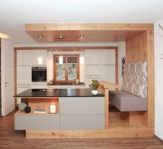 Innovation Küchen Rustic Home Decor Innovation Küchen Rustic Kitchen Cabinets, Rustic Kitchen Design, Home Decor Kitchen, Home Kitchens, Diy Kitchen, Küchen Design, House Design, Interior Design, Vaulted Ceiling Kitchen