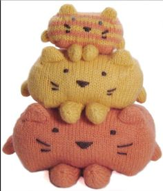 Small knitted things