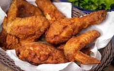 Mexican Oven-Fried Chicken: Decrease Bisquick to cup. Add 2 tablespoons yellow cornmeal and 1 to 2 tablespoons chili powder Bisquick Fried Chicken, Baked Fried Chicken, Easy Oven Baked Chicken, Baked Chicken Tenders, Fried Chicken Recipes, Chicken Drumsticks, Breaded Chicken Wings, Chicken Breasts, Bisquick Recipes